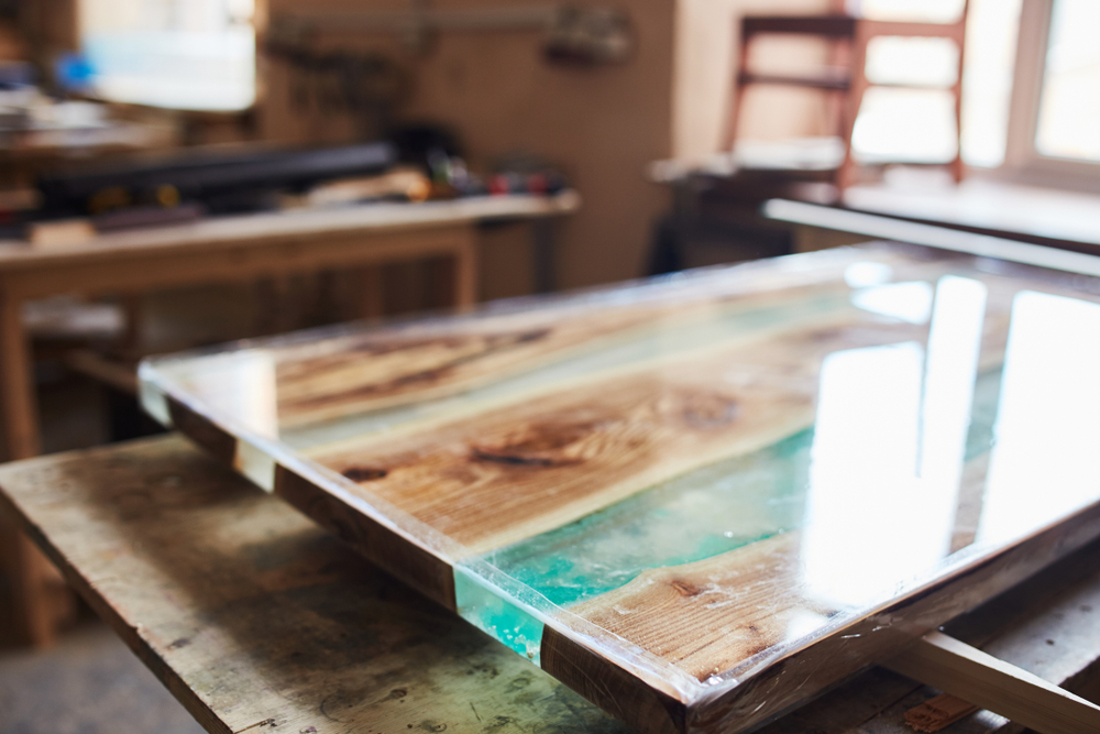 clear epoxy for tabletop